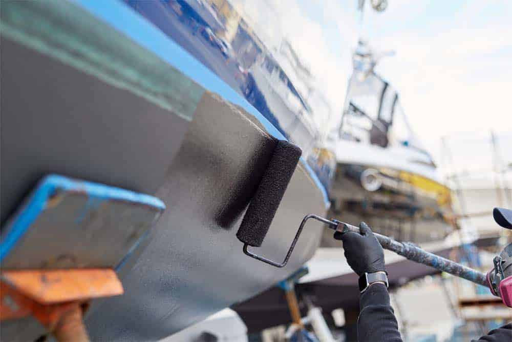 Efficient Roll & Tips forTopside Boat Painting